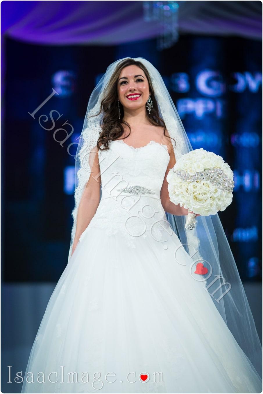 _IIX2245_canadas bridal show isaacimage.jpg