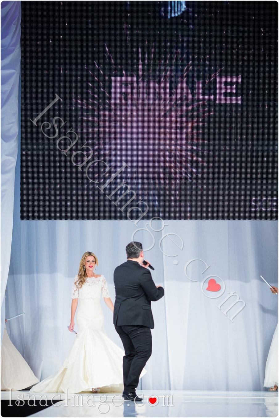 _IIX2428_canadas bridal show isaacimage.jpg
